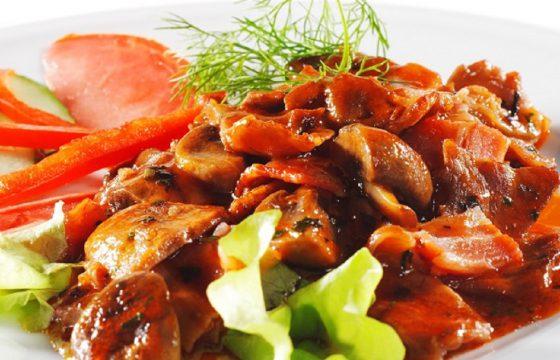 Pilze mit Tomatensoße